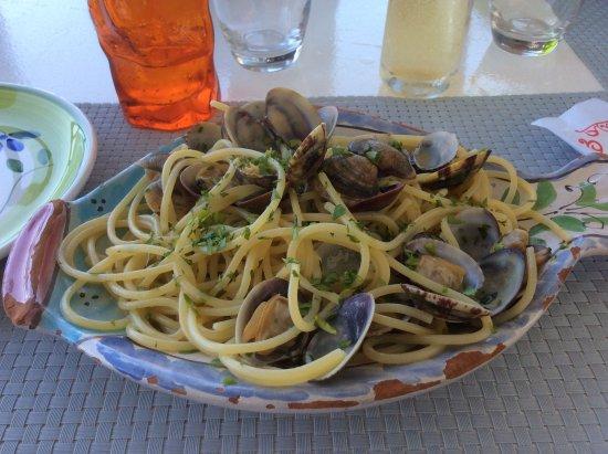 Filicudi, Italy: spaghetti alle vongole
