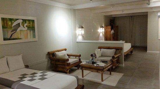 Hotel Plaza Yara: 20171118_192043_large.jpg