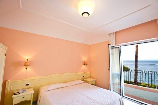 Hotel terme alexander ischia italien hotel for Alexander isola