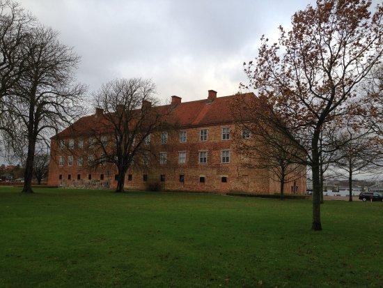 Sønderborg Slot: Slottet fra vandsiden
