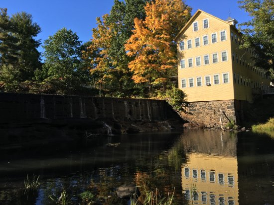 Hatfield, MA: Fall in New England