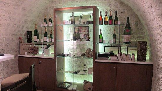 Épernay, France : The tasting room.