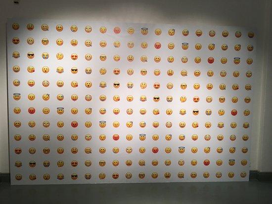 Design Museum: Apple Emojis