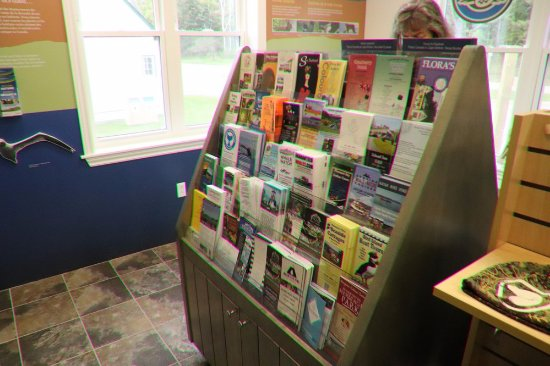 Ingonish, Kanada: Lots of pamphlets