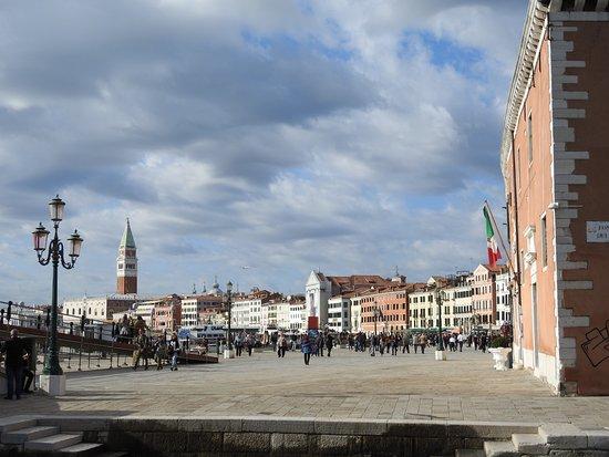 L'altra Venezia : Riva degli Schiavoni