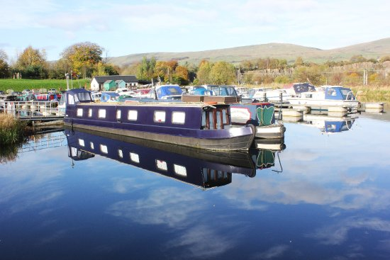 Kilsyth, UK: View of the marina from the Boathouse Restaurant patio.