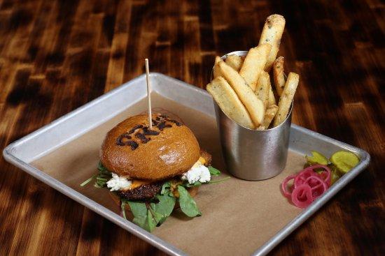 Kamas, UT: State Road Burger