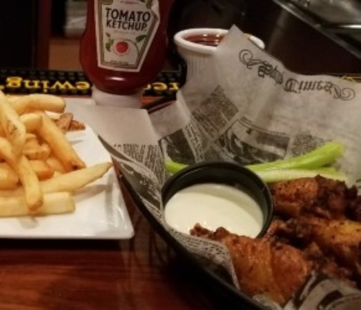 Fries and FANTASTIC Wings! - Picture of O'Reilly's Tap ...