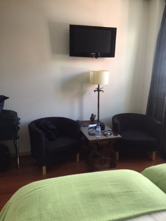 Guest House Douro: Sitting area for Room #401