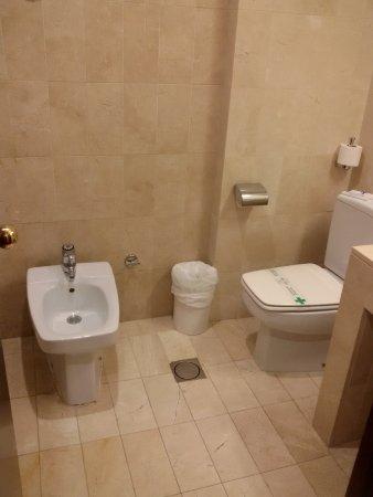 Hotel Derby Sevilla: Bagno completo