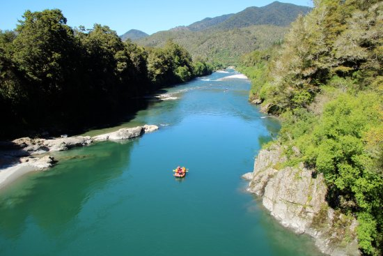 Murchison, New Zealand: A beautiful day for it
