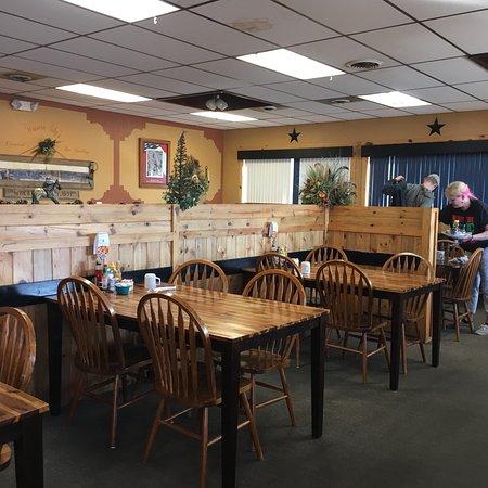 Wheatland, WY: Western Sky's Family Diner