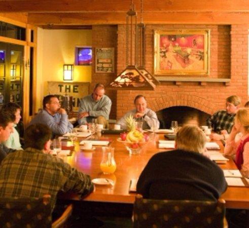 Warren, VT: Tracks Dining in game room
