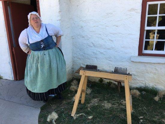 Staunton, VA: Learning how linen is made!