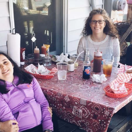 Old Hampton Store and BBQ : A lovey girls day out! Laura Lee, Tracy,April and Caitlin Pittman