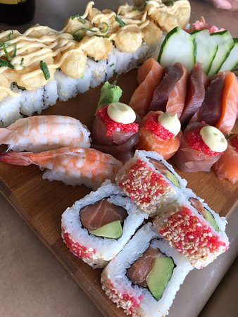Willoughby & Co: sashimi and tempura Sushi