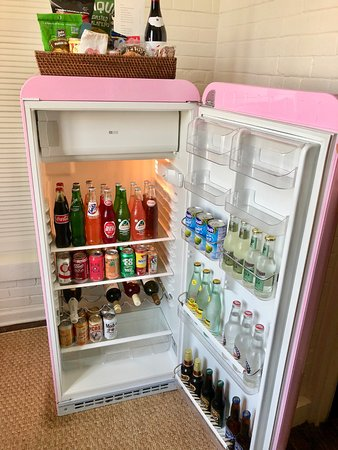 Hotel Havana: The MINI BAR!!!