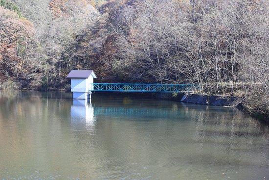 麻績村, 長野県, すずらん湖:湖上の小屋