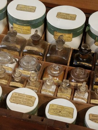 Frederick, MD: medicine jars