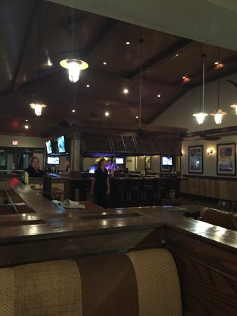 Hemingway's Island Grill: ..and great area