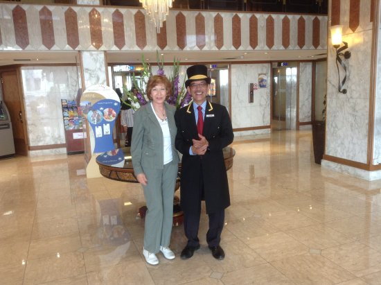 Danubius Hotel Regents Park: With my favourite doorman!