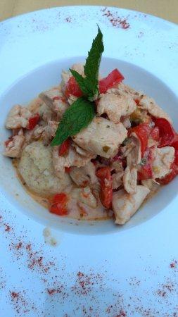 Chicken fillet with peppers alla Vasič with spelt dumplings