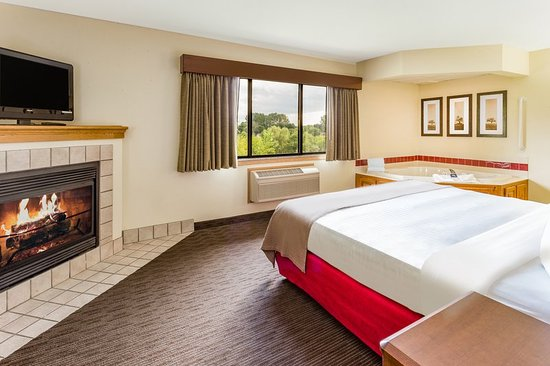 AmericInn Lodge & Suites Princeton: Guest room