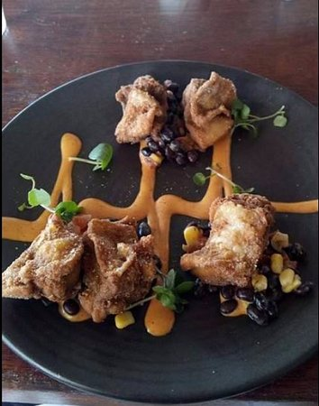 The Boat Shed Restaurant: chicken entree