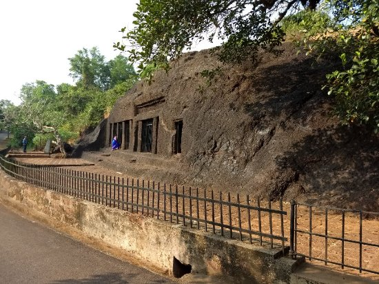 Harvalem Caves