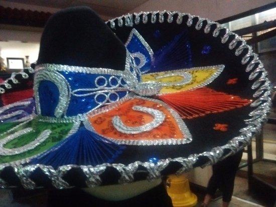 Kannapolis, NC: Restaurante bem decorado, com adornos mexicanos.