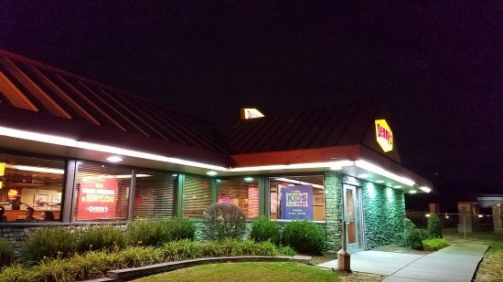 Maryland Heights, MO: the Denny's