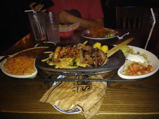 Clifton, NJ: Delicious, Hot and Served Food