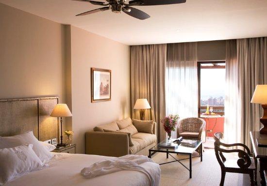 Asia Gardens Hotel & Thai Spa, a Royal Hideaway Hotel: Guest room