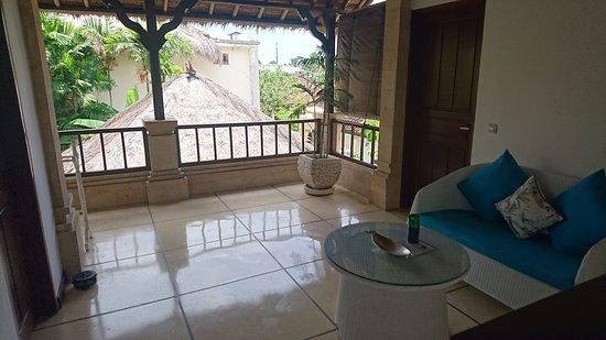 Villa Bugis: Upstairs common area