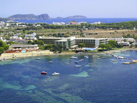 ME Ibiza: Exterior