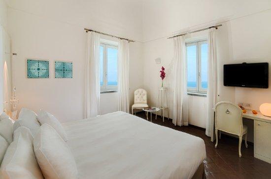 NH Collection Grand Hotel Convento di Amalfi: Guest room