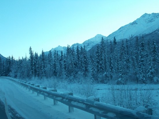 Eagle River Nature Center: The drive to the Eagle River Alaska Nature Center.