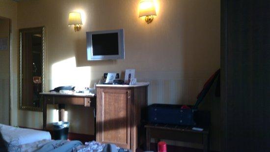 Hotel Tritone: Interno della stanza 619