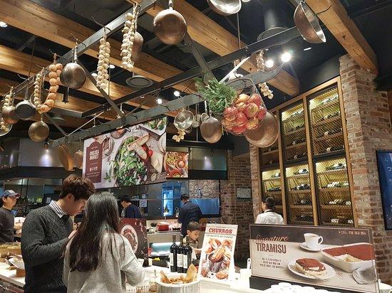 Hwaseong, South Korea: 20171202_174031_large.jpg