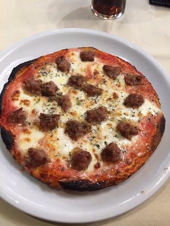 Salsa Rossa: Pizza Toscana