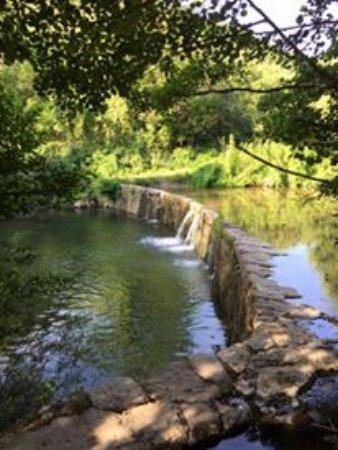 Bez-et-Ésparon, France : baignade rivière Arre