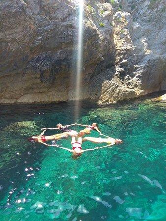 Skiathos Town, اليونان: Σπηλιά της Φονισσας