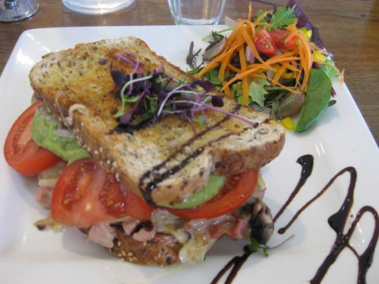 Waihi Beach, New Zealand: The Ultimate Toastie