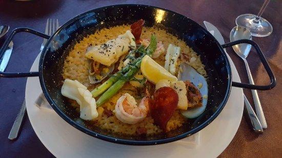 The Samaya Bali Seminyak: Seafood Paella