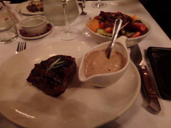 Rondebosch, Zuid-Afrika: Fillet steak and salad