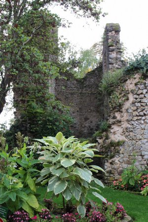 Fresnay-Sur-Sarthe, França: Donjon of Castle of Fresnay Sur Sarthe | Sarthe, Pays de la Loire, France