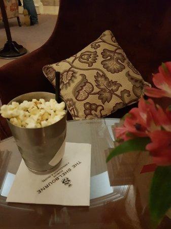 The Shelbourne Dublin, A Renaissance Hotel: 20171126_203748_001_large.jpg