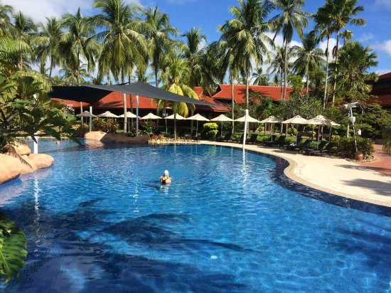Main Pool Picture Of Meritus Pelangi Beach Resort Spa Langkawi Pantai Cenang Tripadvisor