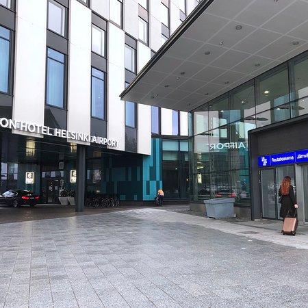 Clarion Hotel Helsinki Airport Photo