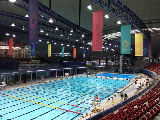 Olympic Park (Parc olympique): Olympic pool now a public facility